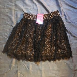 LuLus Darling Black and Tan Skirt